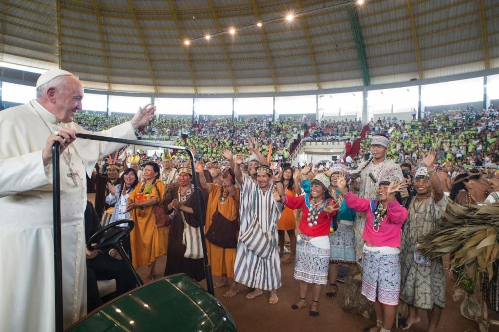 """Présentation de l'Instrument de travail du synode sur l'Amazonie :  """"La région Panamazone, laboratoire pour la société et pour l'Eglise"""".  http://www.synod.va/content/sinodoamazonico/fr/-actualite/sr-nathalie-becquart--presentation-de-linstrument-de-travail-du-.html"""